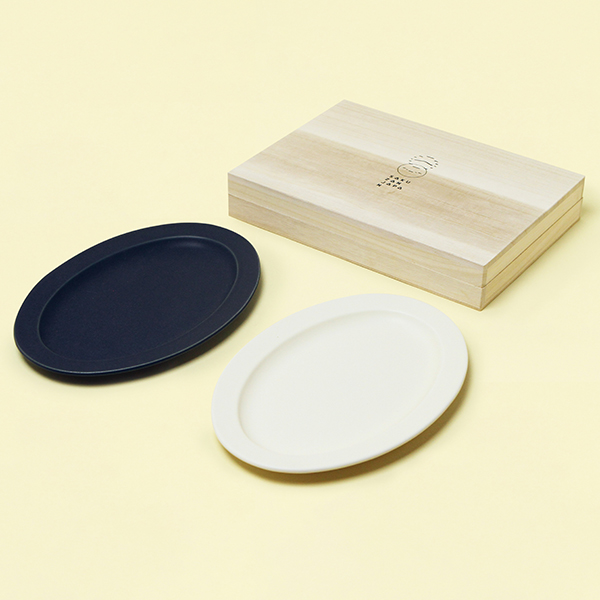 作山窯 / Sara Oval M オーバル プレートペア 木箱入り(Cream、Navy)