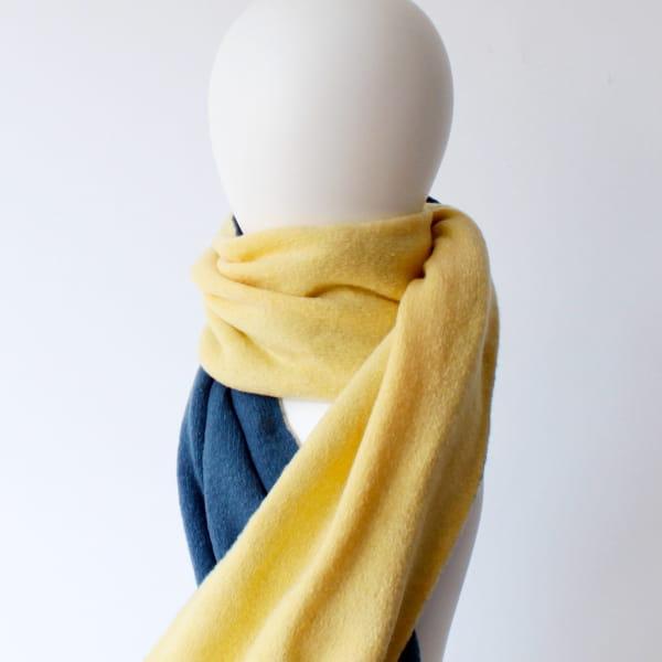 % / スカーフ (Blue70%Yellow50%)