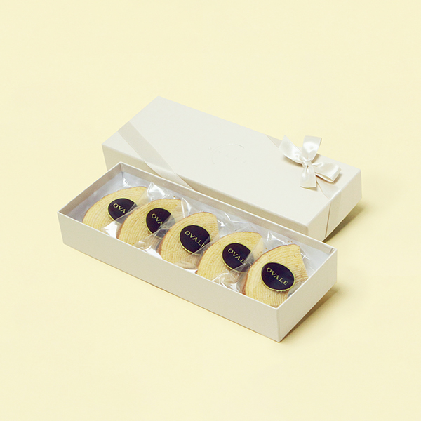 鎌倉・オヴァール / ルテイン卵バウムプレーン5個入りギフト箱