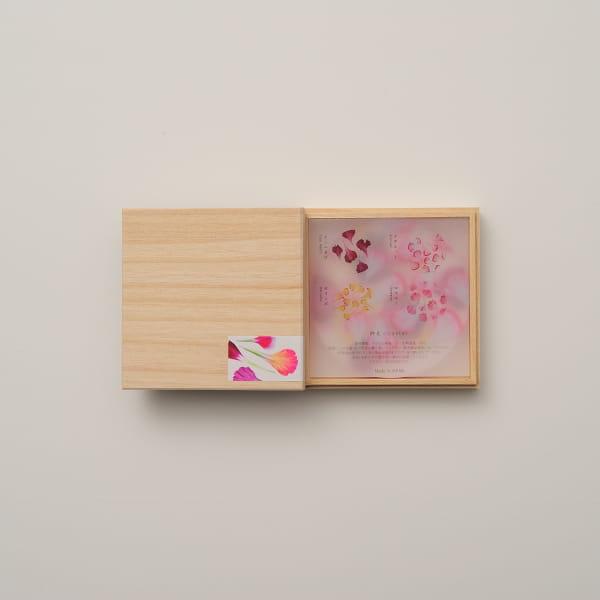 toumei / カーネーションcoaster(コースター) 木箱入り4枚セット