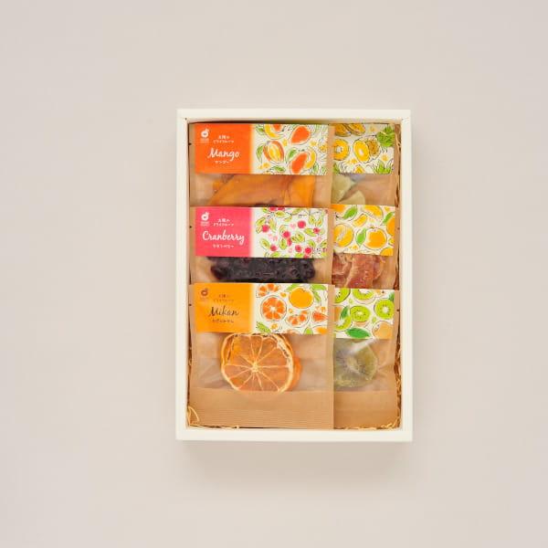 VENT OUEST(ヴァンウェスト) ギフトカタログ <CHOCOLAT(ショコラ)>+ホシフルーツ / 太陽のドライフルーツ6種(7袋入)