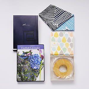 <風呂敷包み> 選べるギフト Mistral(ミストラル) <English Lavender(イングリッシュラベンダー)>+バウムクーヘンセット 5個以上でご注文ください